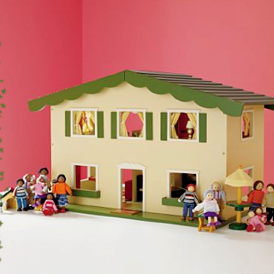 bossy_dollhouse.png