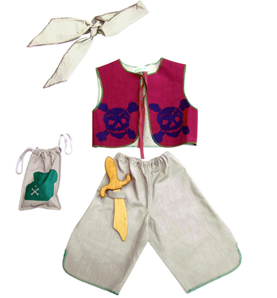 childrens_pirate_costume.png