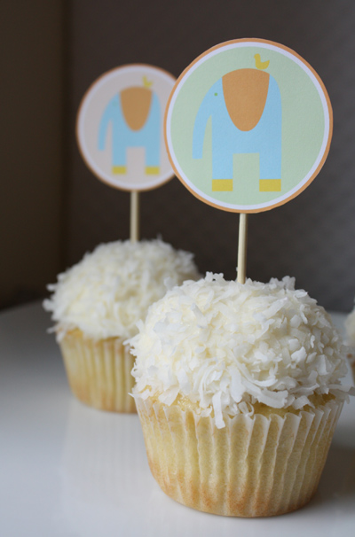 Summer baby shower goodies alpha mom for Baby shower cupcake decoration