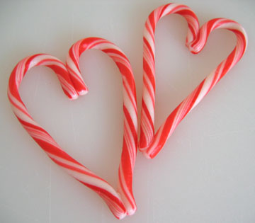holiday-candy-cane-heart.jpg