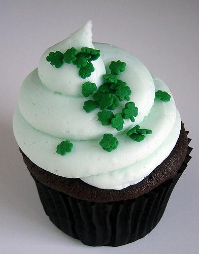 st_patricks_day_cupcakes_bycupcakechic.jpg
