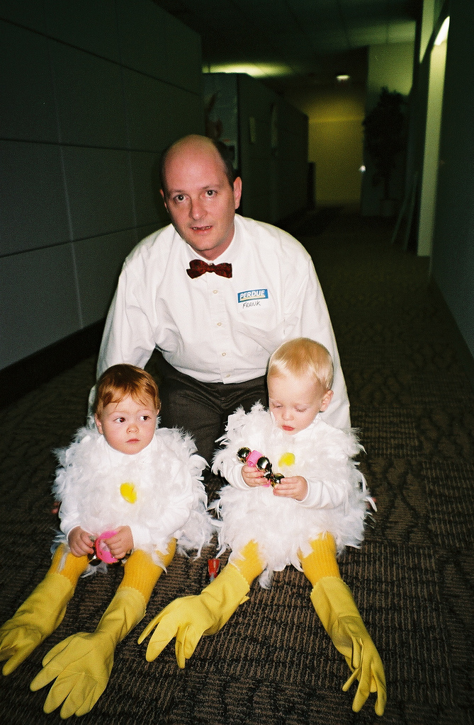 cool halloween costume ideas for women on Dad Is Very Ingenious Always Crafting Cool Homemade Halloween Costumes