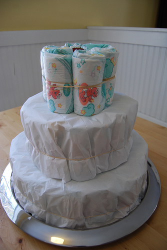 how to make diaper cakes