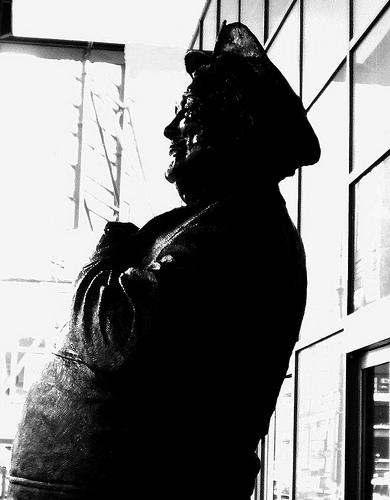ralph_kramden_statue_nyc.jpg