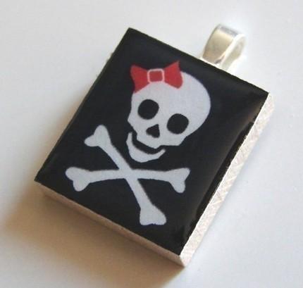 pirate%20girl%20pendant.jpg