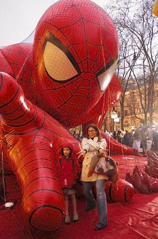 parade_spiderman.png
