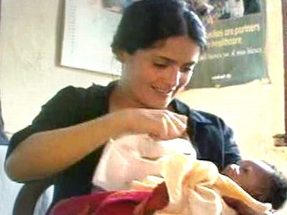 salma_hayek_breastfeeding%20baby.jpg