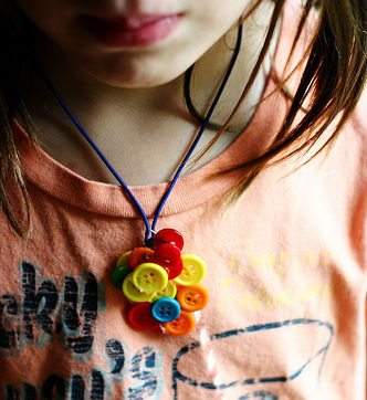 Simple Kids Button Necklace Craft