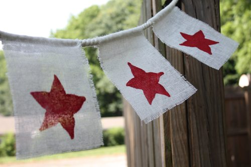 Fourth of July bunting craft