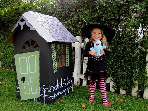 DIY Cardboard Haunted House for Halloween by Brenda Ponnay for Alphamom.com