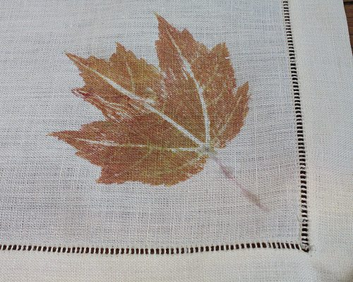 DIY Fall Leaf Linen for Thanksgiving decorations