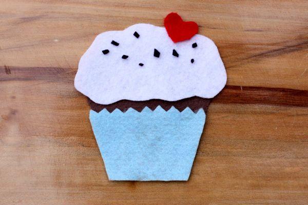 Build a Felt Cupcake