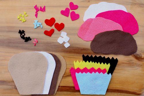 how to build a felt cupcake alpha mom On felt crafts for preschoolers