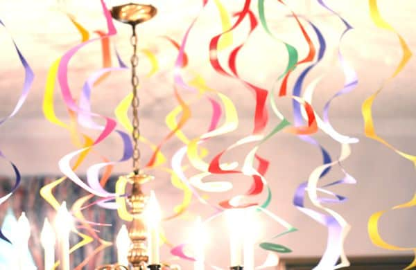 Spiral Streamers – DIY Party Decor