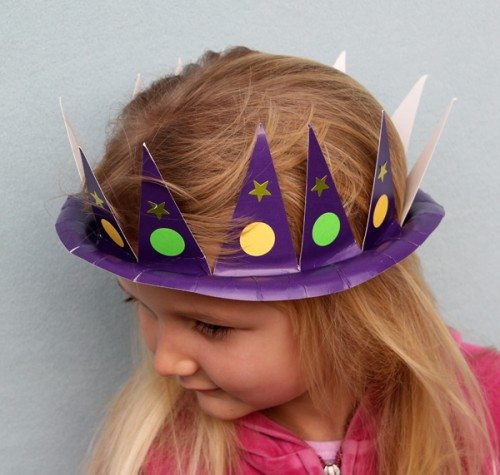 Holiday Hats for Every Occasion Made from Paper Plates (Mardi Gras)