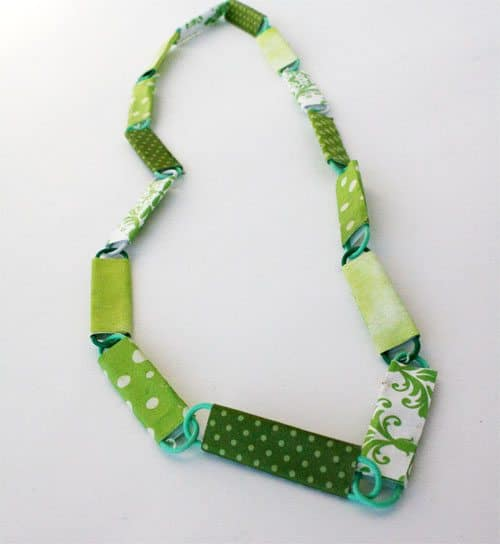 green DIY necklace for St. Patrick's Day
