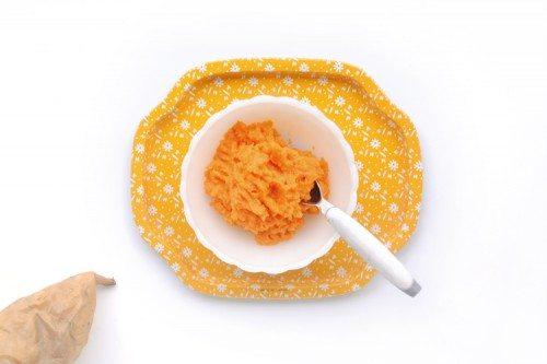 making vegetable puree baby food