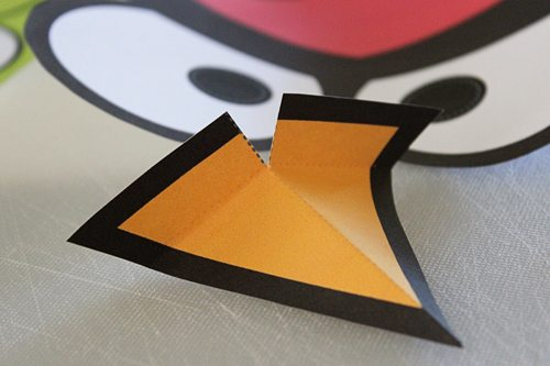 DIY Angry Bird Masks for Halloween (step 3) by Brenda Ponnay for Alphamom.com