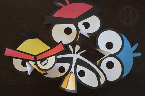 DIY Angry Bird Masks for Halloween (step 6) by Brenda Ponnay for Alphamom.com