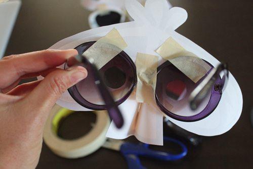 DIY Angry Bird Masks for Halloween (step 7) by Brenda Ponnay for Alphamom.com