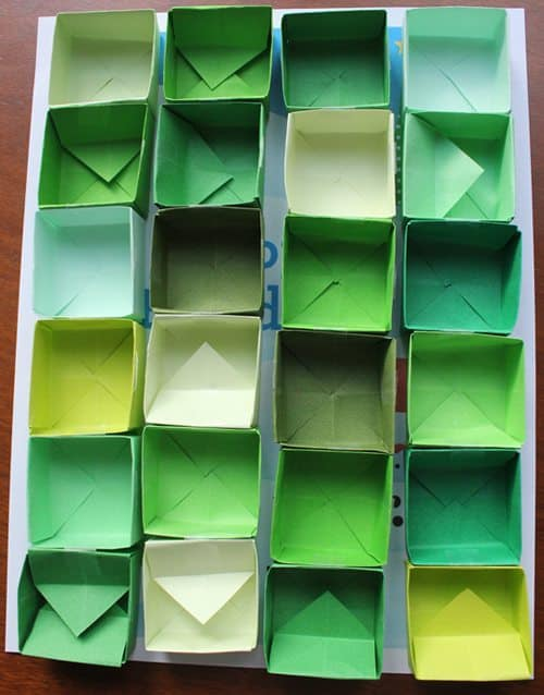 Tiny folded paper boxes for Advent Calendar Printable craft