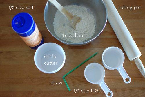 Babys first christmas handprint ornament tutorial alpha mom for the dough solutioingenieria Gallery