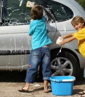 Family Experiment: Motivating Children to Save and Budget for the Family Vacation