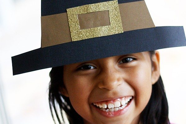 Thanksgiving Craft: Pilgrim Hat DIY