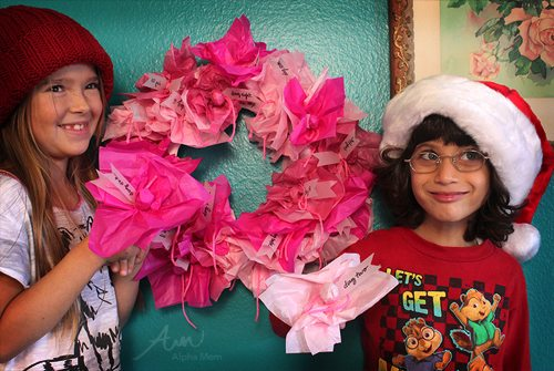 Lollipop Advent Calendar Wreath Tutorial by Brenda Ponnay for @Alphamom