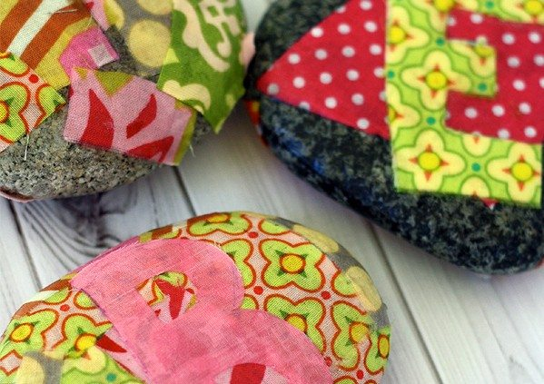 DIY Paperweights are Easy-to-Make Holiday Gifts