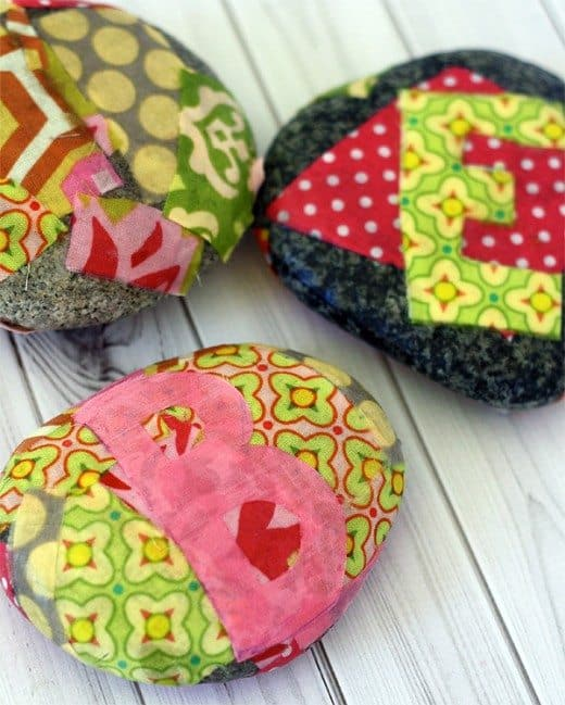 DIY paperweights by @SkipToMyLou for Alphamom.com