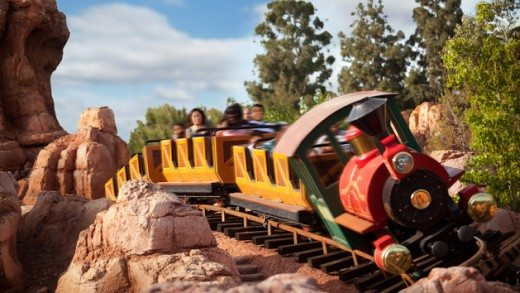 Things to Do & See with Kids at Disneyland (Big Thunder Mountain Railroad plus more!)