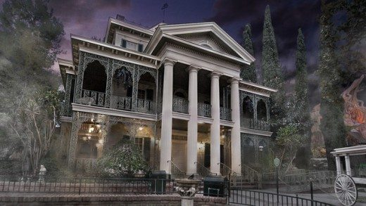 Things to Do & See with Kids at Disneyland (Haunted Mansion plus more!)