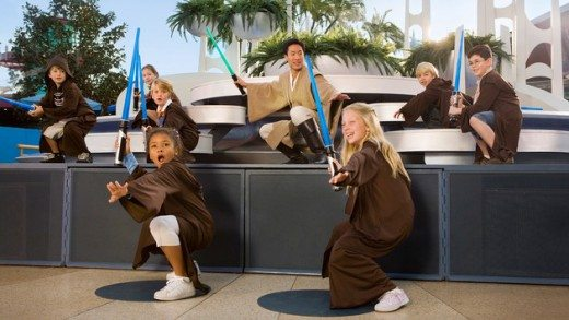 Things to Do & See with Kids at Disneyland Park (Jedi Training Academy plus more!)