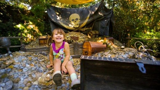 Things to Do & See with Kids at Disneyland (Pirates' Lair on Tom Sawyer Island plus more!)