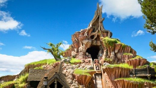 Things to Do & See with Kids at Disneyland (Splash Mountain plus more!)
