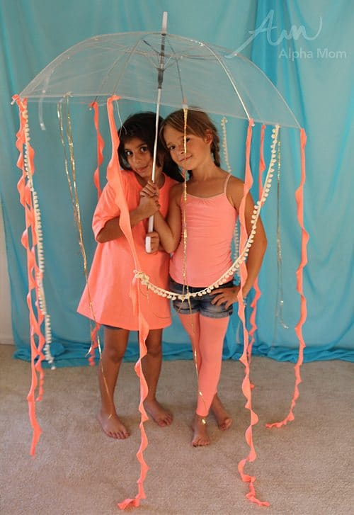 DIY Under-the-Sea Costumes Jellyfish! by Brenda Ponnay for Alphamom.  sc 1 st  Alpha Mom : kids jellyfish costume  - Germanpascual.Com