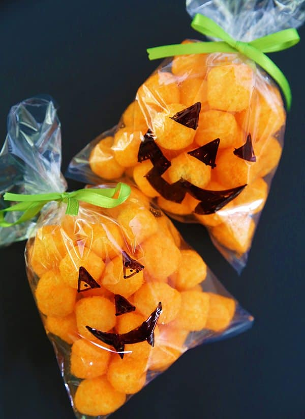 Pumpkin Treat Bag for Halloween by Cindy Hopper for Alphamom.com