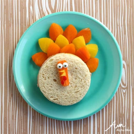Turkey Sandwich Fun Food Craft by Wendy Copley for Alphamom.com #Thanksgiving