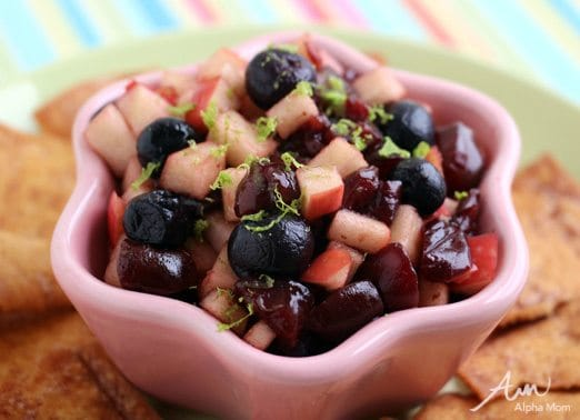 Fruit Salsa with Cinnamon Pita Chips by Wendy Copley for Alphamom.com #HealthySnack
