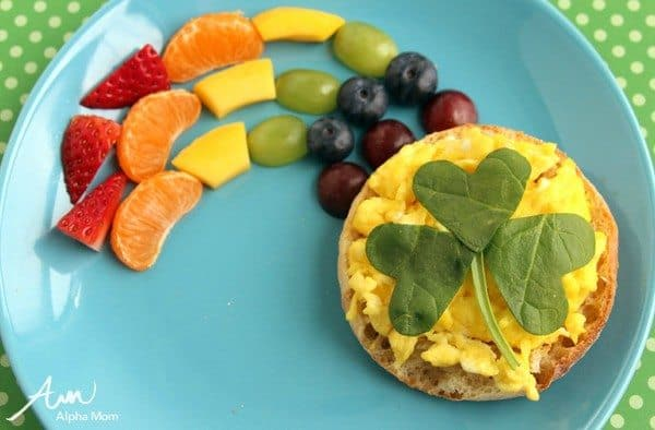 St. Patrick's Day Breakfast: Shamrock Eggs with Rainbow Fruit