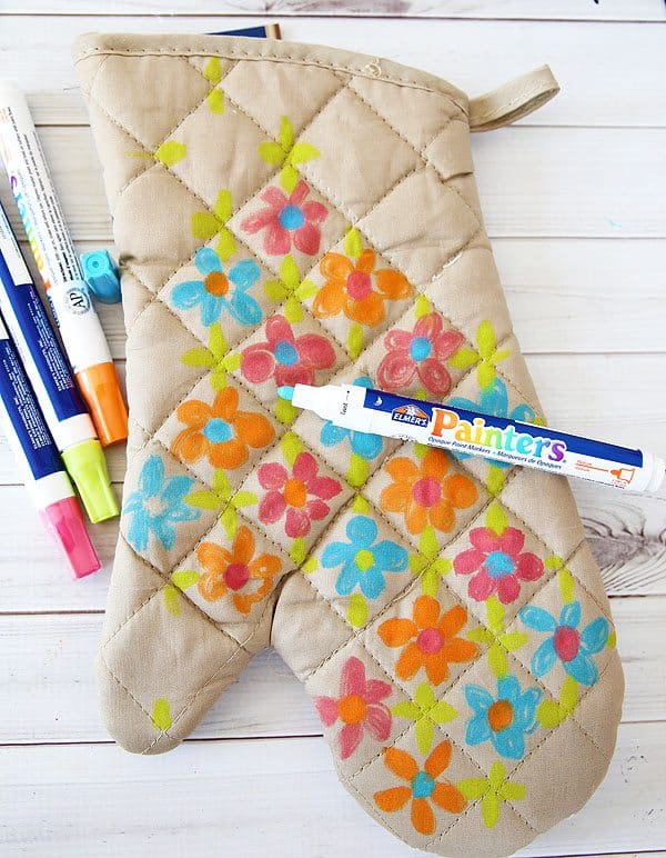 Oven Mitt Teacher Gift by Cindy Hopper for Alphamom.com