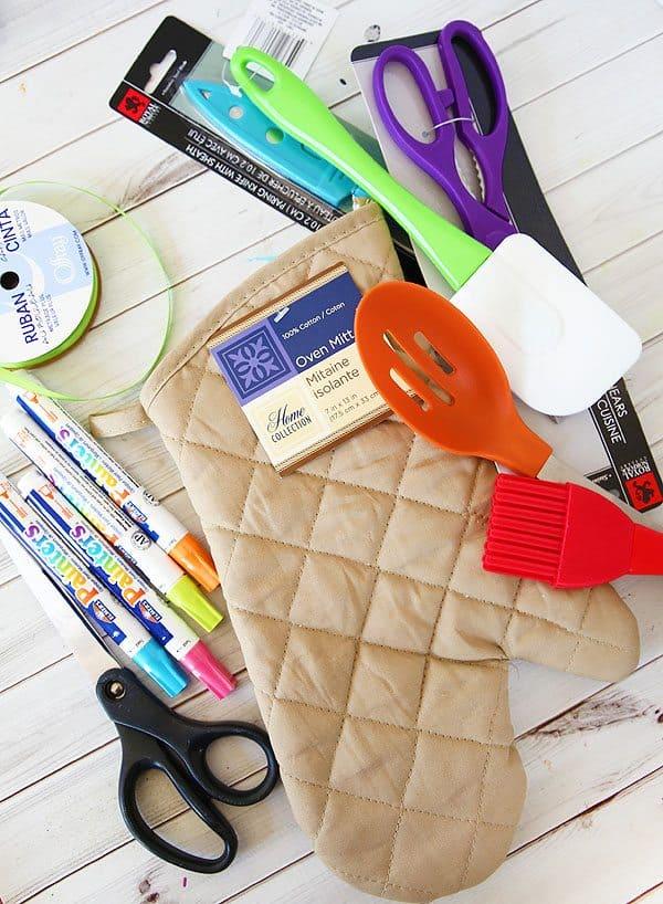 Oven Mitt Teacher Gift by Cindy Hopper for Alphamom.com
