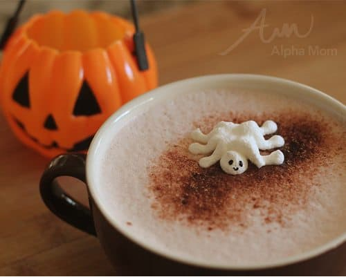 Meringue Ghost Spider Treats for Halloween by Brenda Ponnay & Mixed Bakery for Alphamom.com