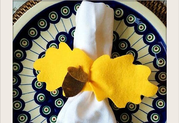 Felt Leaf Napkin Rings by Cindy Hopper for Alphamom.com