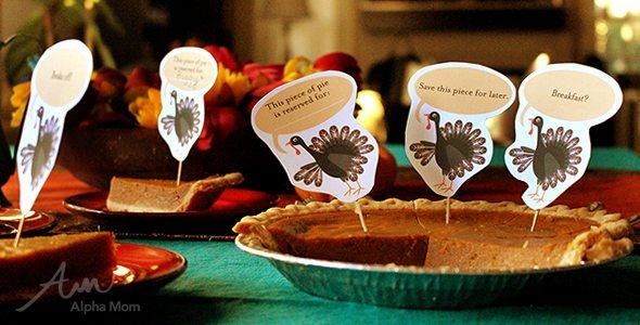 Thanksgiving Day Pie Topper Printables by Brenda Ponnay for Alphamom.com