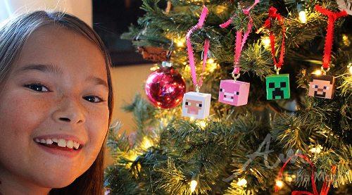 DIY Minecraft Christmas Ornaments by Brenda Ponnay for Alphamom.com
