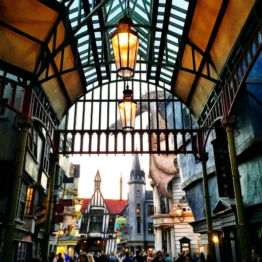 What to Expect at The Wizarding World of Harry Potter: Diagon Alley