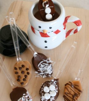 Hot Chocolate Spoons Tutorial by Marie LeBaron for Alphamom.com (Chocolate Dipped Spoons)