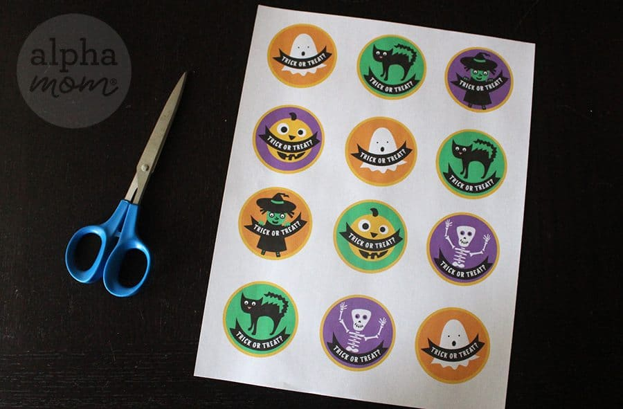 Free Printouts for Halloween Cupcake Toppers